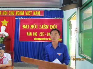 Anh Phạm Việt Hùng bí thư Đoàn Thị trấn phát biểu