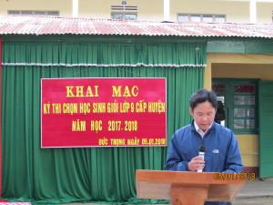 Thầy Nguyễn Văn Hiệp chuyên viên PGD đ5c các quyết định thành lập hội đồng thi, giám thị coi thi