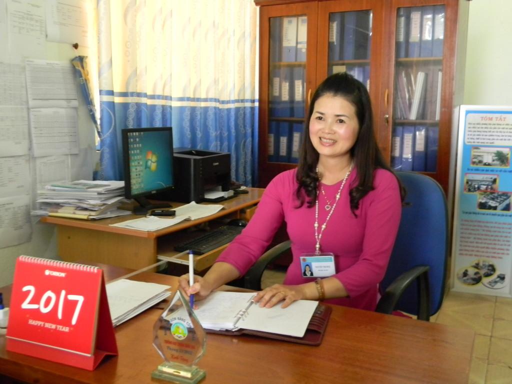 Cô: Nguyễn Thị Huệ - Phó hiệu trưởng SĐT: 0918266063